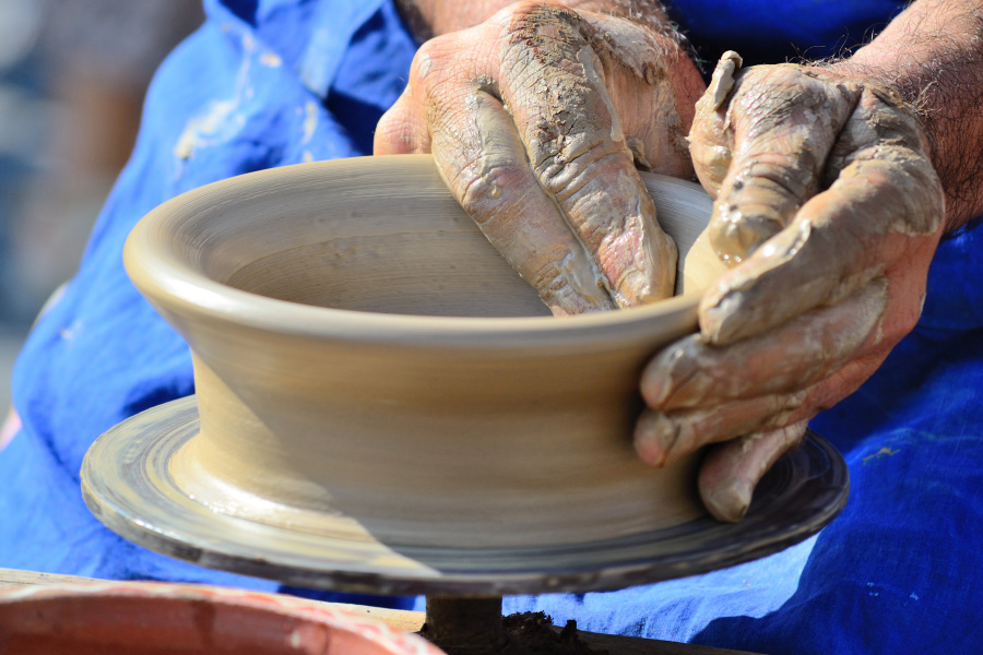 pottery in Romania